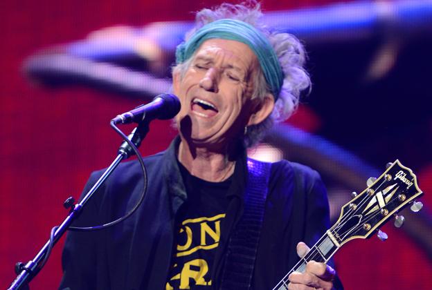 Keith Singing